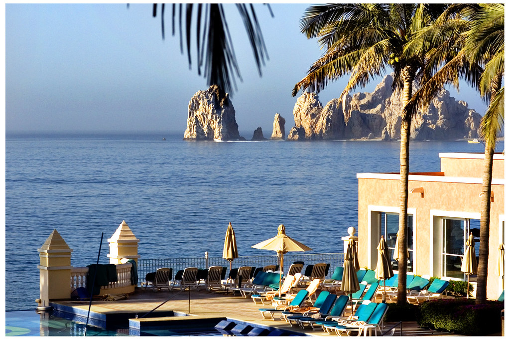 Riu Palace Cabo Infinty Pool and Spa lands end background