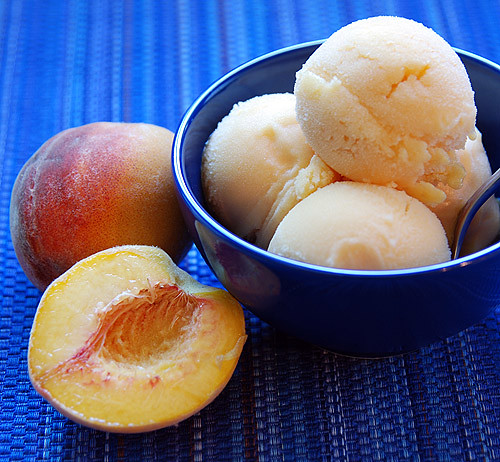 dreaming out loud: Homemade Peach Sorbet