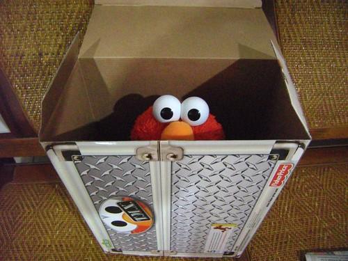 搔癢娃娃 Elmo