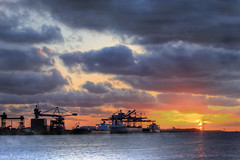 Cape Dover (Reografie) Tags: longexposure sunset industry water clouds rotterdam ship harbour nederland vessel container masters dover maasvlakte containers beautifull havens vopak rozenburg the4elements exellentphotos nibbie reografie vesseltracker capedover cloudsstormssunsetssunrises