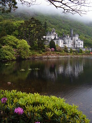 Kylemore Abbey (Jule_Berlin) Tags: ireland irish galway abbey irland connemara cy 2007 kylemoreabbey jule kylemore blueribbonwinner 10faves top20ireland challengeyouwinner abigfave top20castle cywinner aplusphoto travelerphotos diamondclassphotographer juleberlin