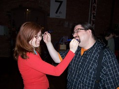 "MOCCA '07: Mikhaela Reid and Barry ""Ampersand"" Deutsch drawing each other faces!"