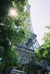 Eiffel_Tower_Sunlight