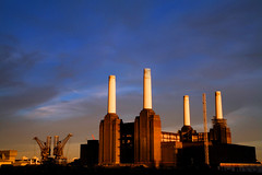 Solar Power (Rod Monkey) Tags: sunset england london batterseapowerstation peopleschoice abigfave aplusphoto rodirvine