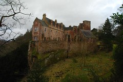 Hawthornden Castle (Vic Sharp) Tags: uk cliff building castle history stone architecture scotland nikon britain ruin scottish medieval historic writers gb rosslyn author defensive fortress midlothian roslin rosslynchapel hawthornden roslinglen rivernorthesk rosslynglen