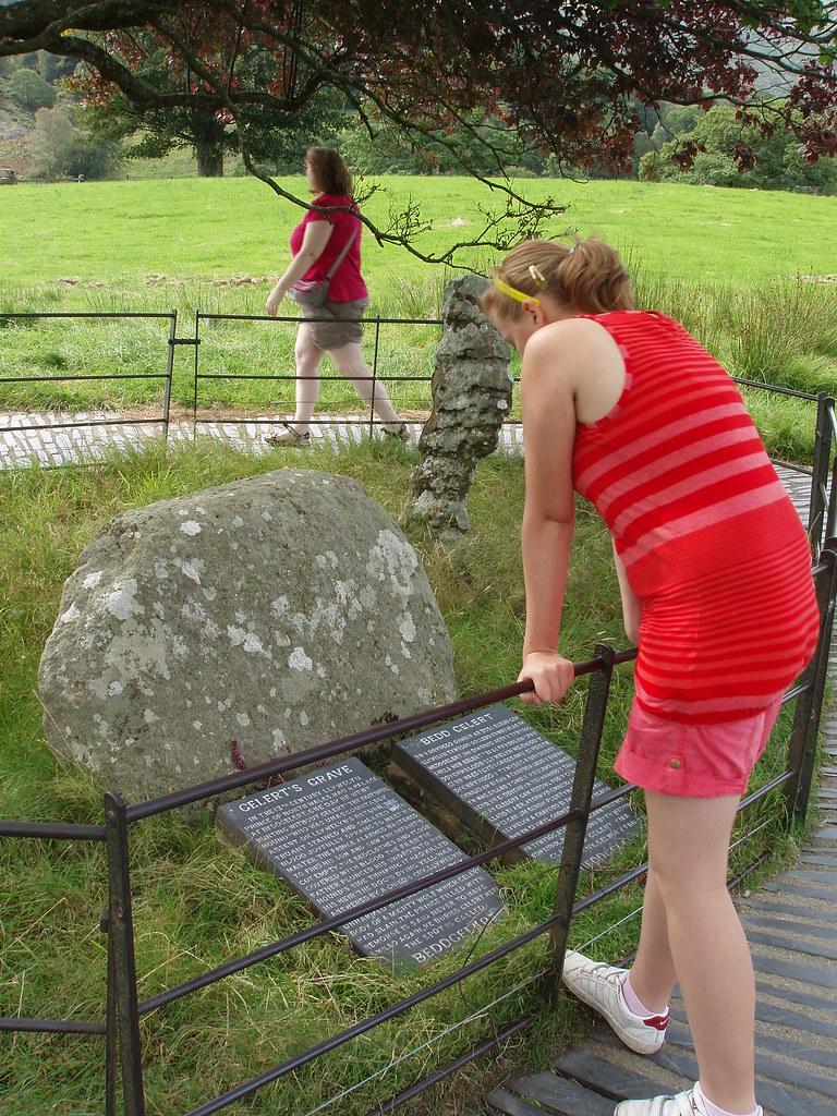 Gelert's Grave