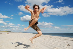 Alessandro in air (.brian) Tags: show beach jump sand german fireisland 2099sothatswhereyouvebeen