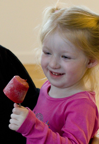 cropped Sabrina and ice pop