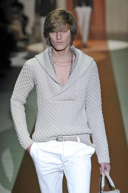 Demy Matzen3056_SS11_Milan_Gucci(first VIEW)