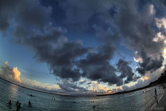 Paddling Evening (fs999) Tags: cloud beach clouds strand pentax sainteanne wolke wolken fisheye paintshoppro nuage nuages plage hdr guadeloupe aficionados pentaxist k7 artcafe photomatix vob da1017 newk ashotadayorso justpentax topqualityimage pentaxda1017mmf3545 zinzins flickrlovers topqualityimageonly fs999 pentaxart hairygitselite pentaxk7 paintshopprox3