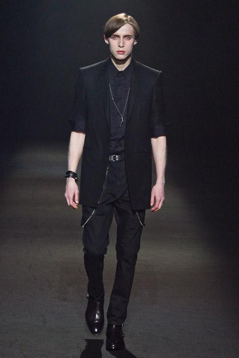 Simon Nygard3022_SS11_Tokyo_Lad Musician(Fashionsnap)