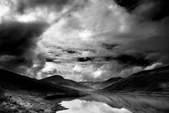 Lull before the storm (Parcelpacker) Tags: sky clouds scotland loch lochlyon
