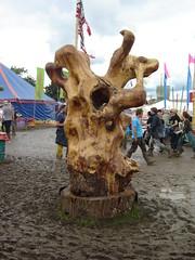 Tree sculpture (Big Marvin) Tags: sculpture tree festival mud glastonbury muddy 2007 greenfields lastfm:event=122007