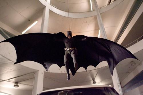 The Dark Knight Batman volando