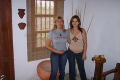 Gladys and Monica (garnet2468) Tags: cali colombia valle monica donne mulheres mujeres gladys