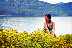 Look Around You... (EL@Seattle) Tags: people flower 20d nature water yellow person photo washington wa hh orcasisland 2007 slickr hunghung