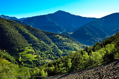 Andorra nature: Vallnord, Andorra, Pyrenees (lutzmeyer) Tags: primavera nature june juni landscape photo spring foto image photos picture natura paisaje fotos fotografia landschaft oben andorra imagen pyrenees pirineos pirineus paisatge juny pyrenen frhjahr vallnord imatge aldosa cortalsdesispony lamassanaparroquia picdelacasamanya lutzmeyer lutzlutzmeyercom