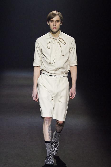 Simon Nygard3020_SS11_Tokyo_Lad Musician(Fashionsnap)