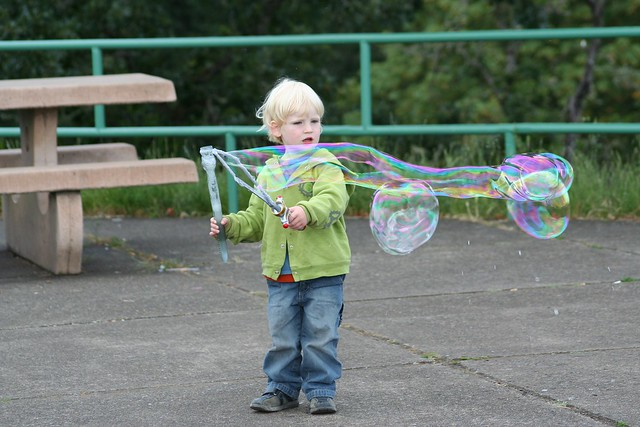 Damien Bubble Maker