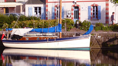yacht (mlohninger) Tags: ocean sunset sea france reflection water marina river boats boat frankreich marine brittany meer sailing cloudy yacht bretagne rivière breizh sail yachts sailboats küste bzh atlantique ozean côtesdarmor trieux pontrieux armorique letrieux havor bretonisch