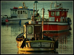 (andrewlee1967) Tags: uk reflection wales landscape boats coast seaside britain ripples rhosonsea andrewlee canon400d andrewlee1967 focusman5
