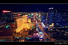 las vegas strip (Eric 5D Mark III) Tags: city longexposure paris color car skyline night landscape cityscape traffic lasvegas eiffeltower balloon atmosphere wideangle aerial strip handheld planethollywood tone birdseye lighttrail lasvegasblvd neveda perspectivedistortion ef14mmf28liiusm