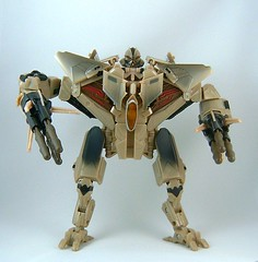 Transformers Starscream - modo robot (Movie Voyager)