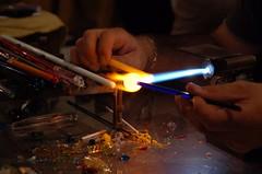 costruendo colori - making colors (Nicola Zuliani) Tags: fuoco artigiano vetro lavoro caldo artigianato cisondivalmarino nizu zuliani nicolazuliani wwwnizuit