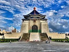 CKS memorial, Taipei, Taiwan (Sherwin_andante) Tags: geotagged cks hdr 2007 中正紀念堂 e510 200709 geo:tool=yuancc 20070910 geo:lon=121522565 geo:lat=25034244