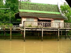 Koh Kret 310 (oznasia) Tags: house thailand lumix fz20 canal asia bangkok panasonic housing johnstory 2007 kohkret