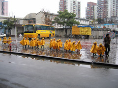 Yellow (memm74) Tags: china 2004 asia asien shanghai  canonpowershots50 schanghai 1on1reflections 1on1colorful 1on1colorfulphotooftheweek 1on1colorfulphotooftheweekjuly2007