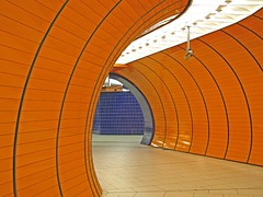 U-Bahn Marienplatz - Munich (yushimoto_02 [christian]) Tags: art station architecture canon germany underground subway munich mnchen geotagged arquitectura europe metro tunnel ubahn architektur marienplatz architectura colorphotoaward ubahnmuenchen:station=mp ubahnmuenchen:line=3 ubahnmuenchen:line=6