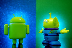 Android vs. Alien (305/365) (JD Hancock) Tags: favorite reflection green fun toy actionfigure google interesting toystory action alien cc figure duel android pizzaplanet 1k littlegreenman lgm day305 inkitchen jdhancock duel365