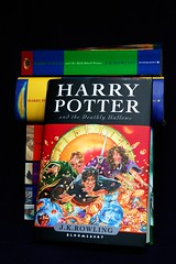 The New Harry Potter (Xerxes2K) Tags: new uk buch book potter harrypotter 7 cover bloomsbury novel rowling jkrowling joannekrowling bookpile ukedition booksiveread deathlyhallows book7 harrypotter7 harrypotterandthedeathlyhallows