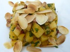 Tartare de pêche au pesto de menthe (bloggyboulga) Tags: dessert pesto recette tartare menthe pêche amande
