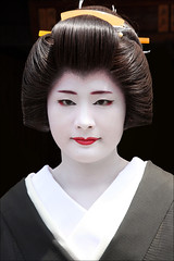 G E I K O : Koiku (mboogiedown) Tags: travel woman white black beauty japan asian japanese kyoto asia traditional culture geiko geisha kimono gion tradition kansai katsura hanamachi oshiroi kagai kobu discoverkyoto koiku kuromotsuki
