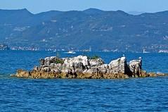 Floating rock (faxao) Tags: boats garda sailing barche vela ishares centomiglia extreme40