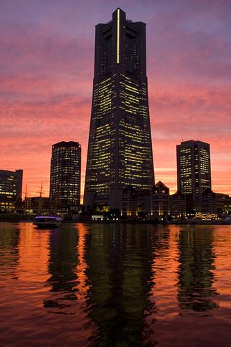 フリー画像| 人工風景| 建造物/建築物| ビルディング| ランドマークタワー| 夕日/夕焼け/夕暮れ| 日本風景|     フリー素材|