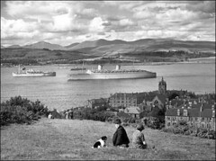 Queen Elizabeth 1940 (edowds) Tags: cruise woman dog man grey scotland riverclyde ship wwii 1940 battleship shipyard gourock cunard carrier troop queenelizabeth liner clydebank johnbrown inverclyde troopcarrier