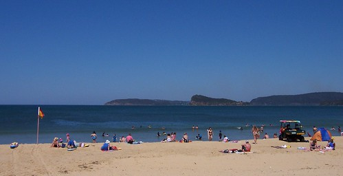 Barrenjoey Head, Lion Island & Commodore Heights from Umina Beach