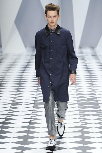 Jakob Hybholt3630_SS11_Milan_Versace(VOGUEcom)
