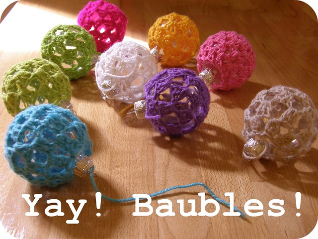 crochet bauble cover free pattern