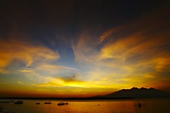 Lombok_263_04-05-07 (Kelly Cheng) Tags: sea mountain sunrise indonesia getty gili lombok trawangan rinjani pickbykc