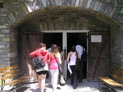 Indian Echo Cavern (americanhomelifeinternational) Tags: she students 2007 herencia