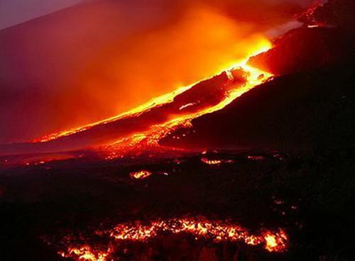 994478537 3ec3146d6c Danger and Beauty of Hawaiian Volcanoes