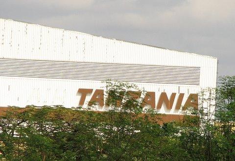 tanzania...kili airport
