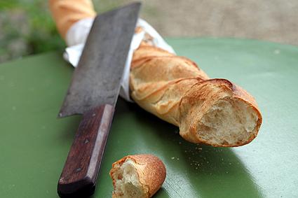 Baguette & Knife