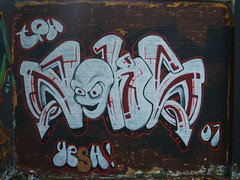 red white freestyle (Loki SON) Tags: graffiti freestyle loki norwich graff yesh tph teem