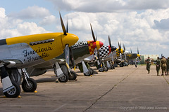 Duxford_Flying_Legends_071 (John_Kennan) Tags: slr 20d plane canon eos fighter aircraft north aeroplane na american duxford mustang p51d duxfordflyinglegends2007