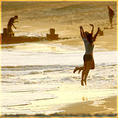 expressive beach stroll (M. Longfellow) Tags: girls beach newjersey jump joy nj capemay jerseyshore athousandwords abigfave capemayx happinessconservancy cmstream